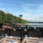 Restaurant mit Seeblick