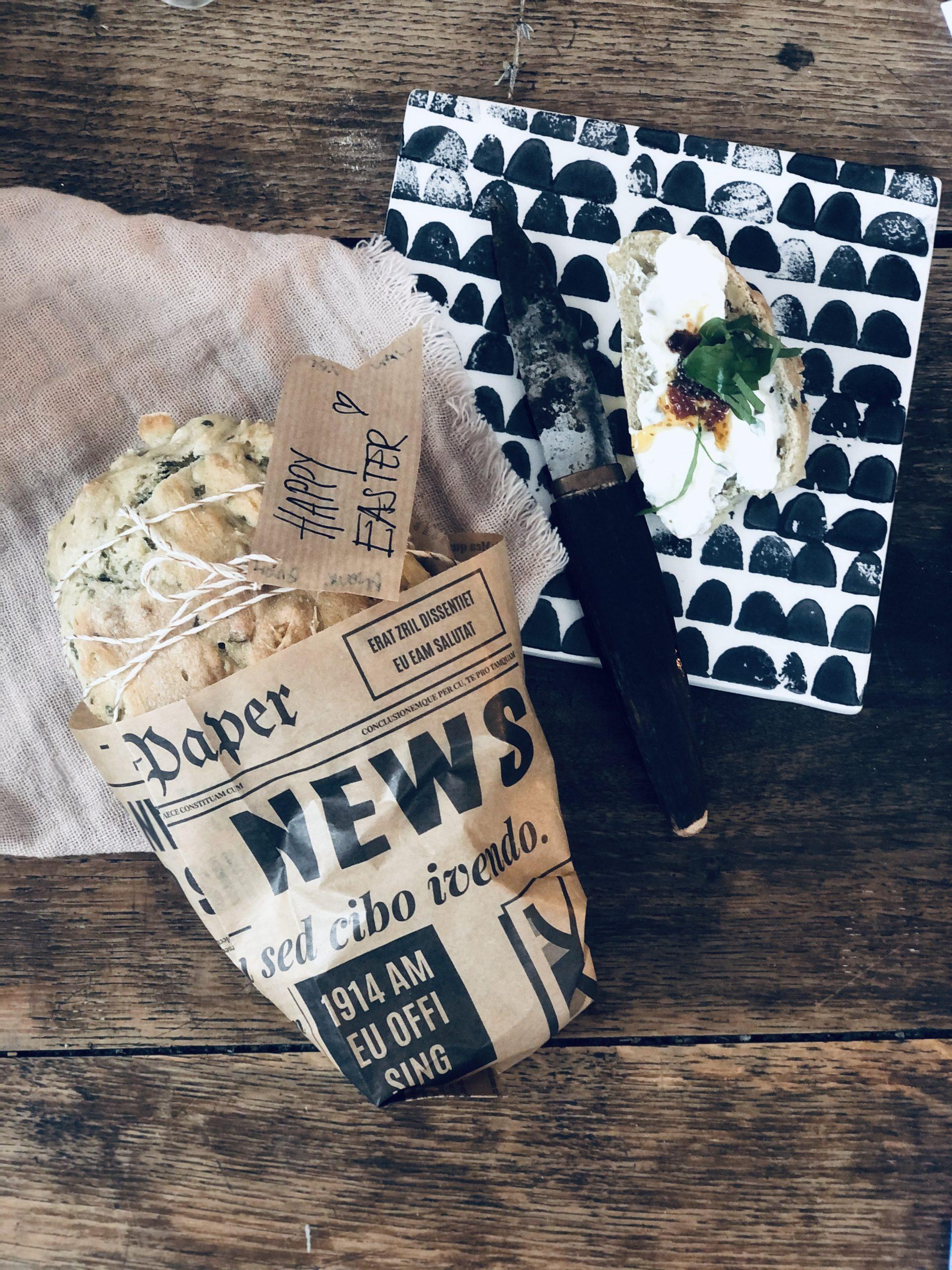 Bärlauchbrot selbst gebacken, jetzt mit Rezept auf dem Blog