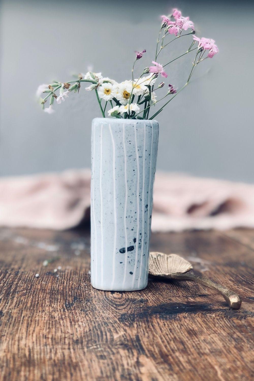 Selbst bemalte Keramik Vase im Skandi Stil