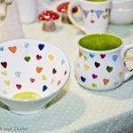 Herzen auf Keramik bemalt